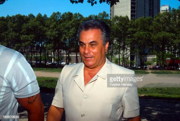 Mafia Boss John Gotti aka 'The Dapper Don' arrives at the Brooklyn Federal Courthouse to surrender after his one million bail was revoked May 19 1986...