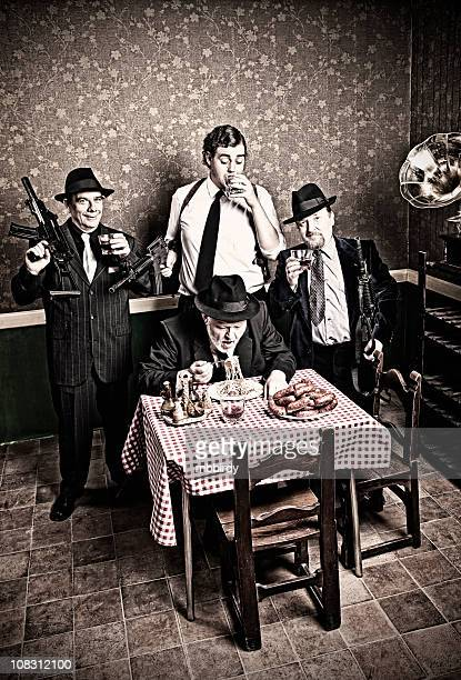 Mafia Familie mit Chef und Söhne