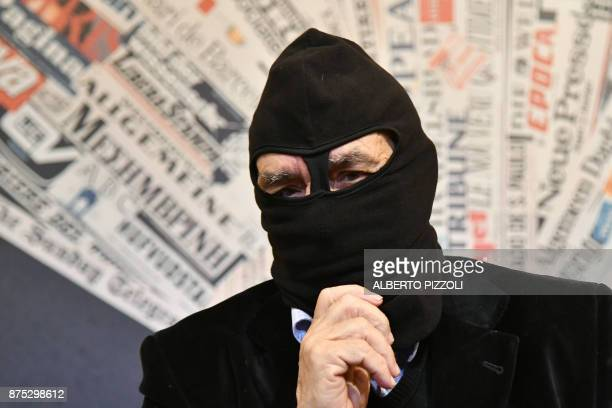 Mafia Turncoat Gaspare Mutolo who once shared a prison cell with 'boss of bosses' Toto Riina attends a meeting with foreign press on November 17 2017...