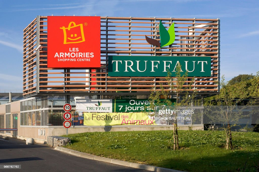 Magasin Truffaut Pictures   Getty Images