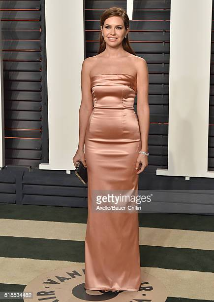 Magazine editorinchief Dasha Zhukova arrives at the 2016 Vanity Fair Oscar Party Hosted By Graydon Carter at Wallis Annenberg Center for the...