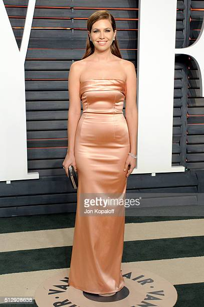 Magazine editorinchief Dasha Zhukova attends the 2016 Vanity Fair Oscar Party hosted By Graydon Carter at Wallis Annenberg Center for the Performing...