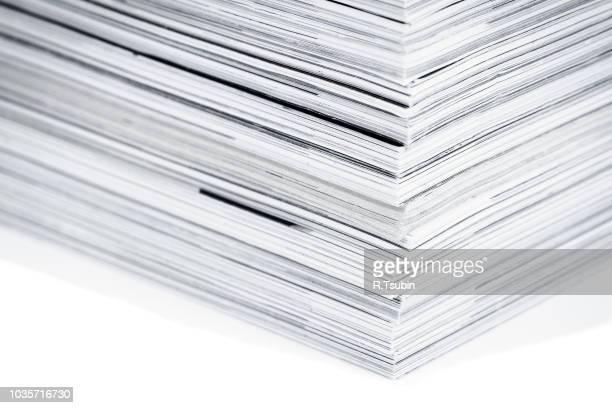 magazine pages up close - macro shot - kunstdruck stock-fotos und bilder