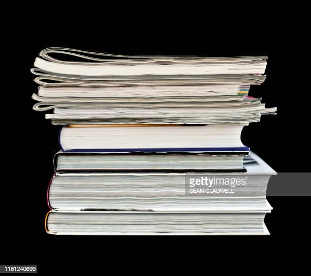magazines and books - magazine stock pictures, royalty-free photos & images
