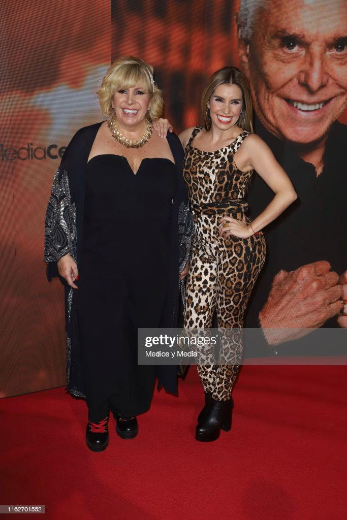 Magda Rodriguez And Andrea Escalona Poses For Photos On The Red Nachrichtenfoto Getty Images