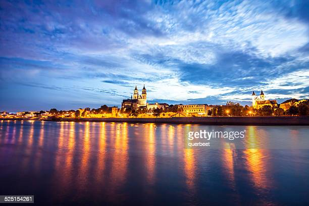 magdeburg by night - saxony anhalt stock pictures, royalty-free photos & images
