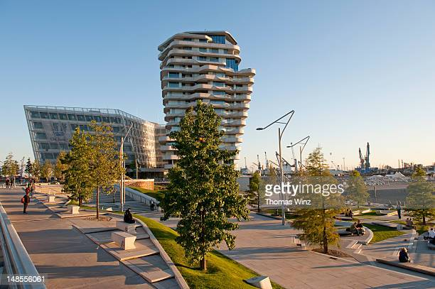 magellan terrassen, hafencity. - number of people stock pictures, royalty-free photos & images