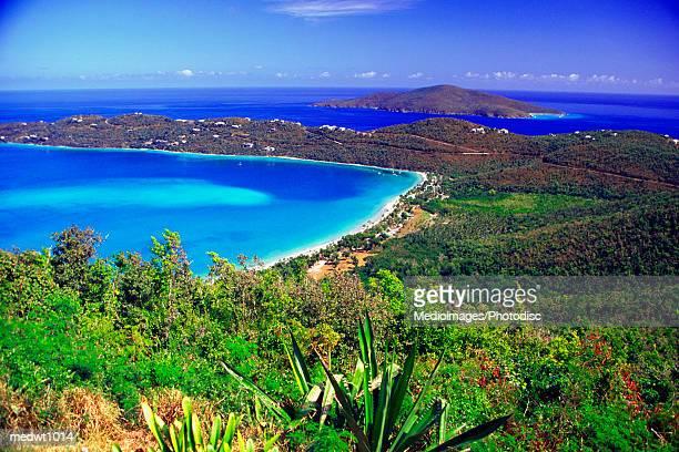 magens bay beach in st. thomas, u.s. virgin islands, caribbean - paisajes de st thomas fotografías e imágenes de stock