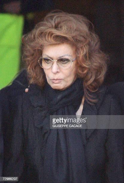 Italian actress Sophia Loren leaves the San Martin church in Magenta near Milan at the end of her husband Carlo Ponti's funeral 12 January 2007 Carlo...