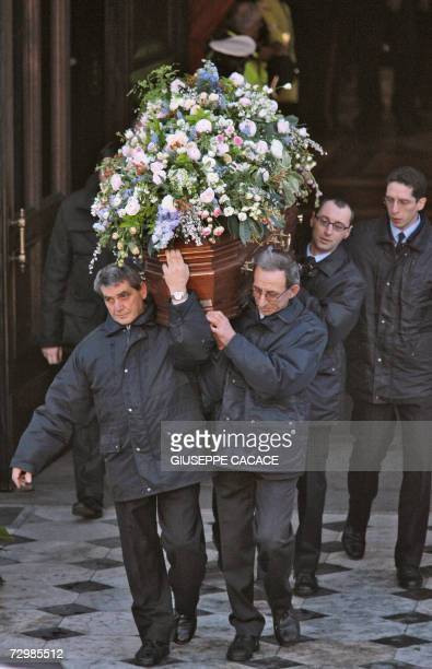 The coffin of Italian producer Carlo Ponti is carried out of at San Martin church 12 January 2007 in Magenta Northern Italian town near Milan were...