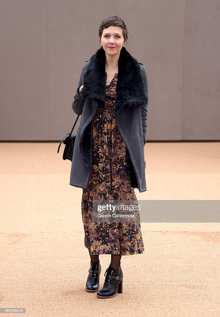 Maggie Gyllenhaal attends the Burberry Prorsum AW 2015 arrivals during London Fashion Week at Kensington Gardens on February 23, 2015 in London, England.