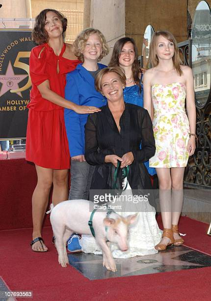 Maggie Gyllenhaal Eros Vlahos Emma Thompson Lil Woods and Rosie Taylor Ritson at the Hollywood Walk of Fame Ceremony honouring Emma Thompson on...