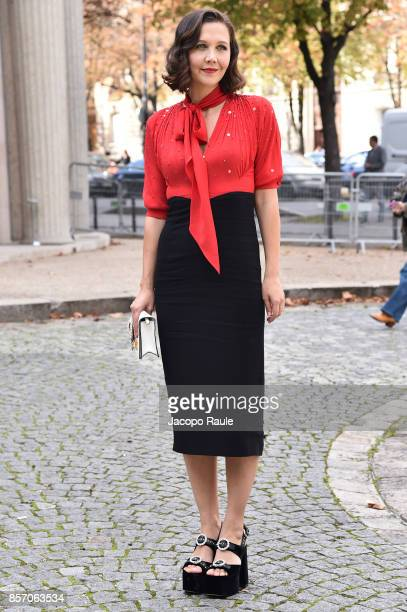 Maggie Gyllenhaal is seen arriving at Miu Miu show during Paris Fashion Week Womenswear Spring/Summer 2018 on October 3 2017 in Paris France