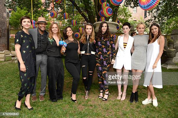 Maggie Gyllenhaal Maxwell Alicia Keys Stella McCartney Liv Tyler Cara Delevingne Amber Valetta and Miranda Kerr attend the Stella McCartney Spring...