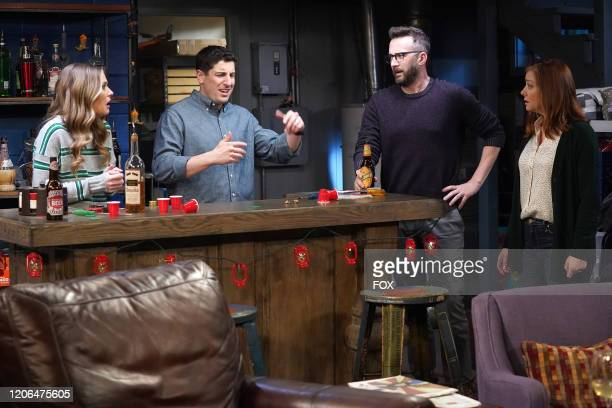 Maggie Lawson Jason Biggs and guest stars Eddie Kaye Thomas and Alyson Hannigan in the Couples Friends episode of OUTMATCHED airing Thursday Mar 12...