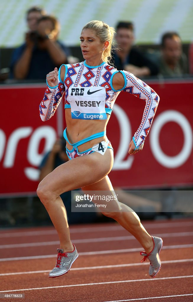 Maggie Vessey runs the 800m during day 1 of the IAAF Diamond League Nike Prefontaine Classic on May 30, 2014 at the Hayward Field in Eugene, Oregon.