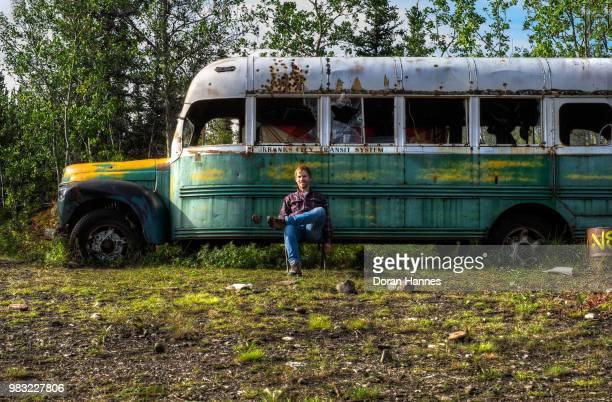 magic bus explorations - magic bus bildbanksfoton och bilder