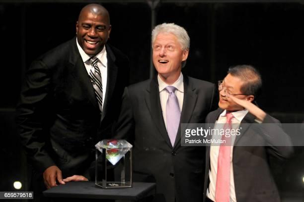 Magic Johnson Former President Bill Clinton and Dr David Ho attend The Inaugural IRENE DIAMOND AWARD GALA at Jazz at Lincoln Center on October 15...