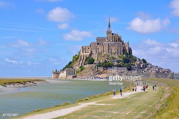 magic of  mont saint-michel - モンサンミッシェル ストックフォトと画像
