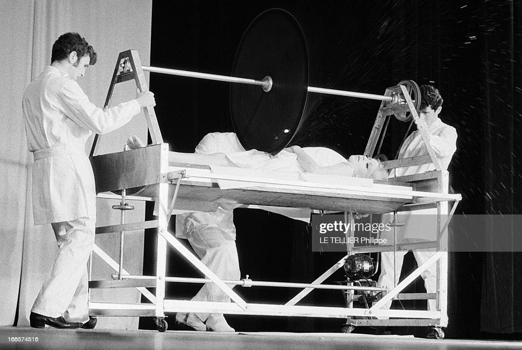 Magic World Festival At The Olympia. Paris - 5 septembre 1968 - Sur... News Photo - Getty Images