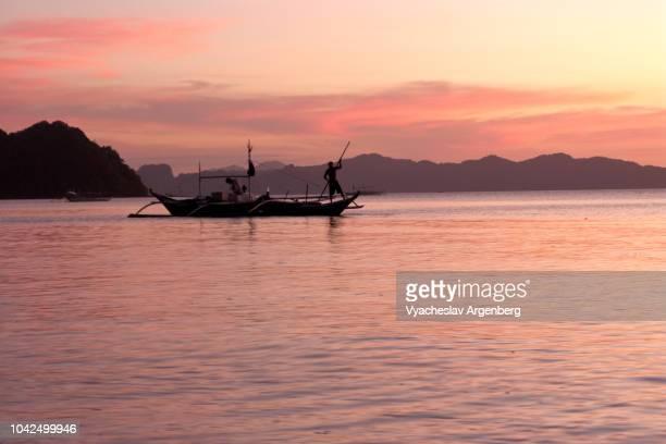 magical sunset in the philippines, el nido, palawan - argenberg bildbanksfoton och bilder