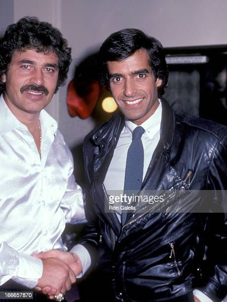 Magician David Copperfield greets singer Engelbert Humperdinck backstage at Engelbert Humperdinck's concert on September 29 1983 at Radio City Music...