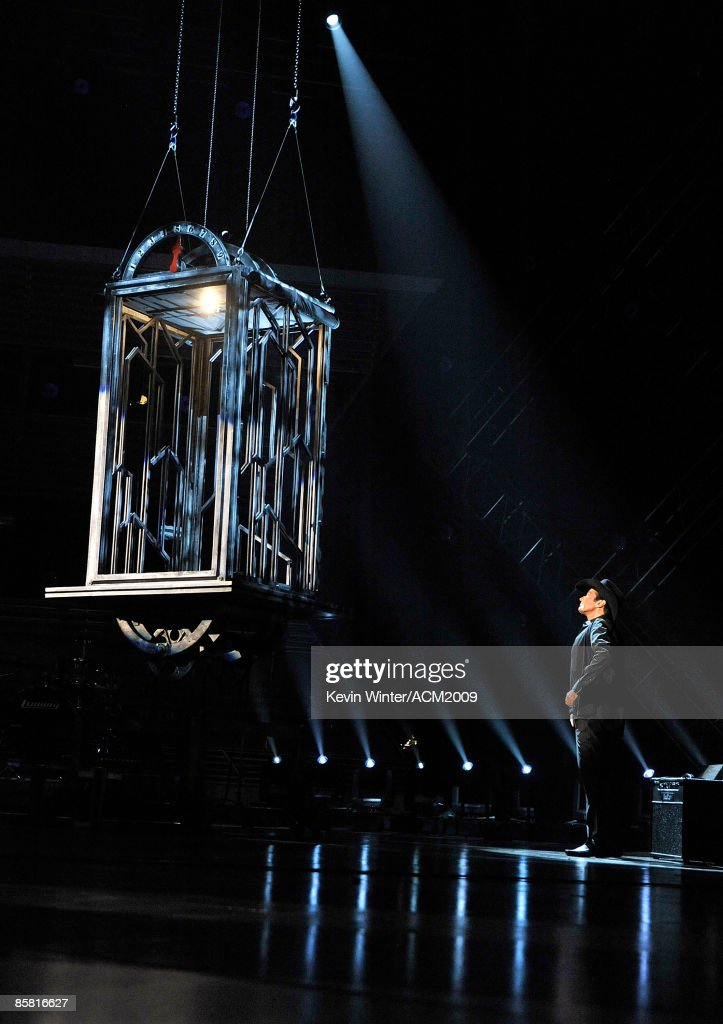 44th Annual Academy Of Country Music Awards - Show : News Photo