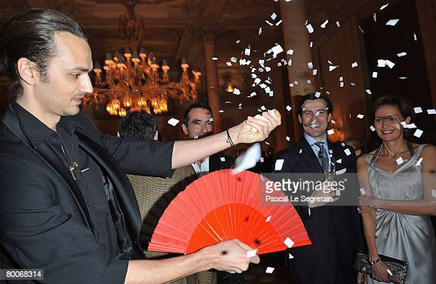 Magician David Jarre performs during the cocktail party for the opening of Baccarat House Moscow on February 29 2008 in Moscow Russia Baccarat chose...