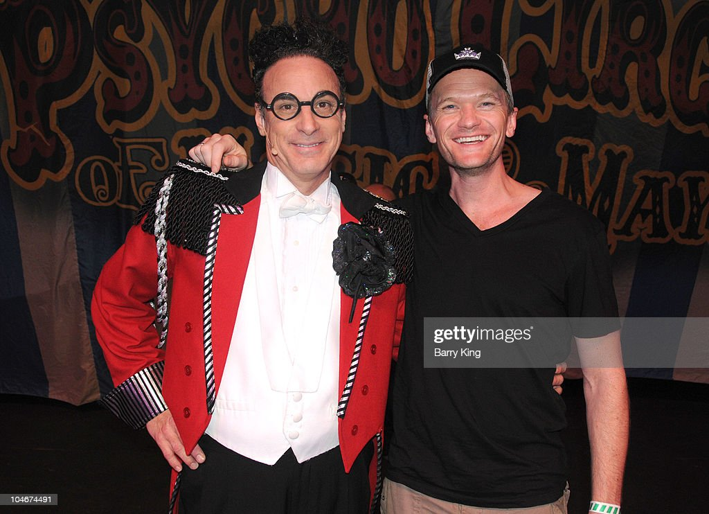 Actor Neil Patrick Harris Visits Knotts Scary Farm Photos and ...