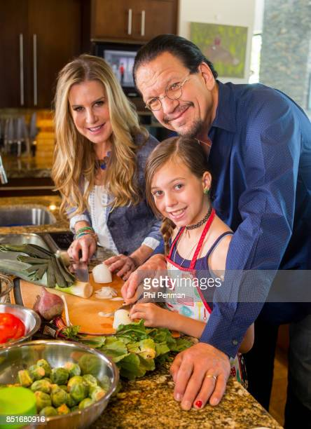 Magician Penn Jillette wife Emily and daughter Moxie are photographed for Closer Weekly Magazine on June 15 2016 at home in Nevada