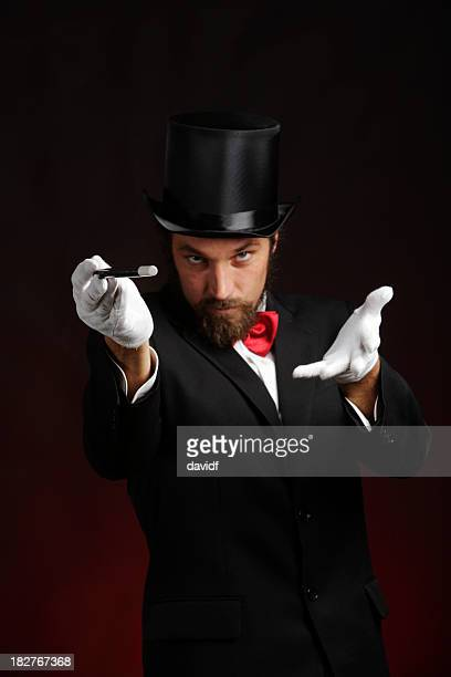 Zauberer Performing Tricks