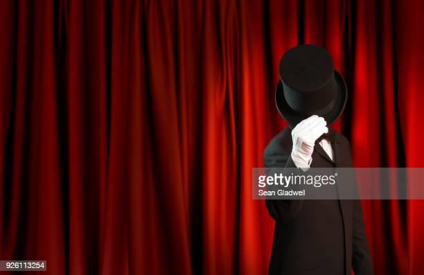 magician show - サーカステント ストックフォトと画像