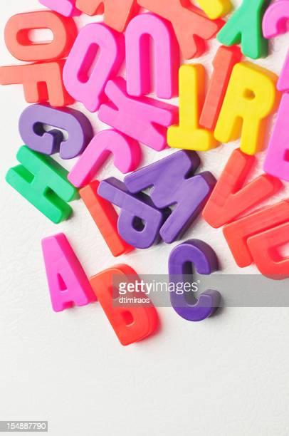 magnetic letras - ímã - fotografias e filmes do acervo