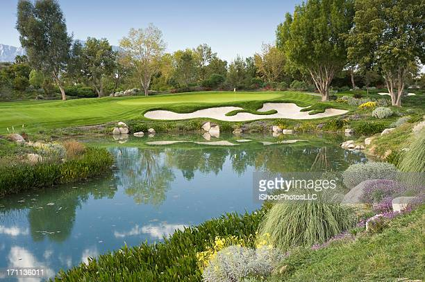 magnificant golf hole - indian wells california stock pictures, royalty-free photos & images