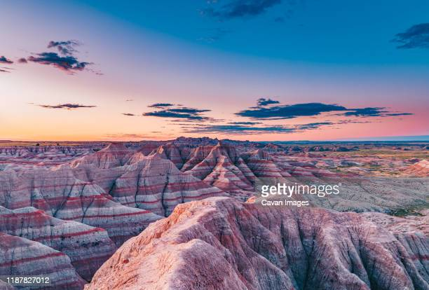 magnificent badlands - south dakota stock pictures, royalty-free photos & images