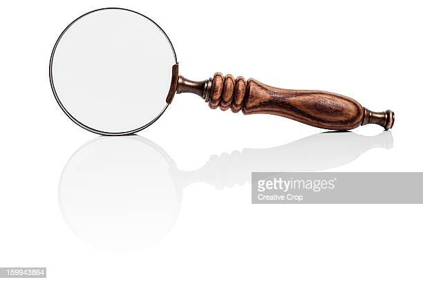 Magnifying glass / spyglass