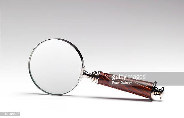 Magnifying glass with leather handle