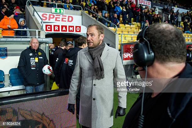 Magnus Haglund head coach of IF Elfsborg entering the pitch prior the Allsvenskan match between IF Elfsborg and Helsingborgs IF at Boras Arena on...