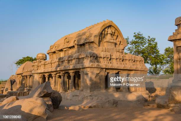 "mahabalipuram - panch ratha temple (five rathas) in mamallapuram, chennai, tamil nadu, india - india ""malcolm p chapman"" or ""malcolm chapman"" ストックフォトと画像"