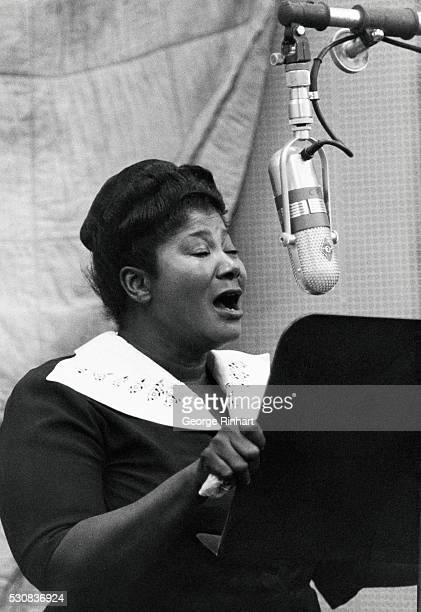 Mahalia Jackson singing at unidentified venue
