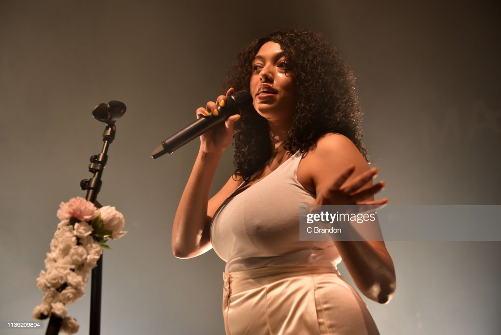 GBR: Mahalia Performs At O2 Shepherds Bush Empire