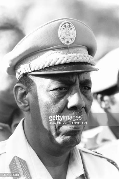 Mahamed Siyaad Barre lors du défilé anniversaire de la révolution somalienne en octobre 1977 à Mogadiscio en Somalie