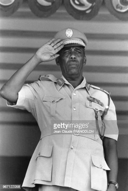 Mahamed Siyaad Barre lors du défilé anniversaire de la révolution somalienne en octobre 1977 dans la région de l'Ogaden alors rattachée à la Somalie