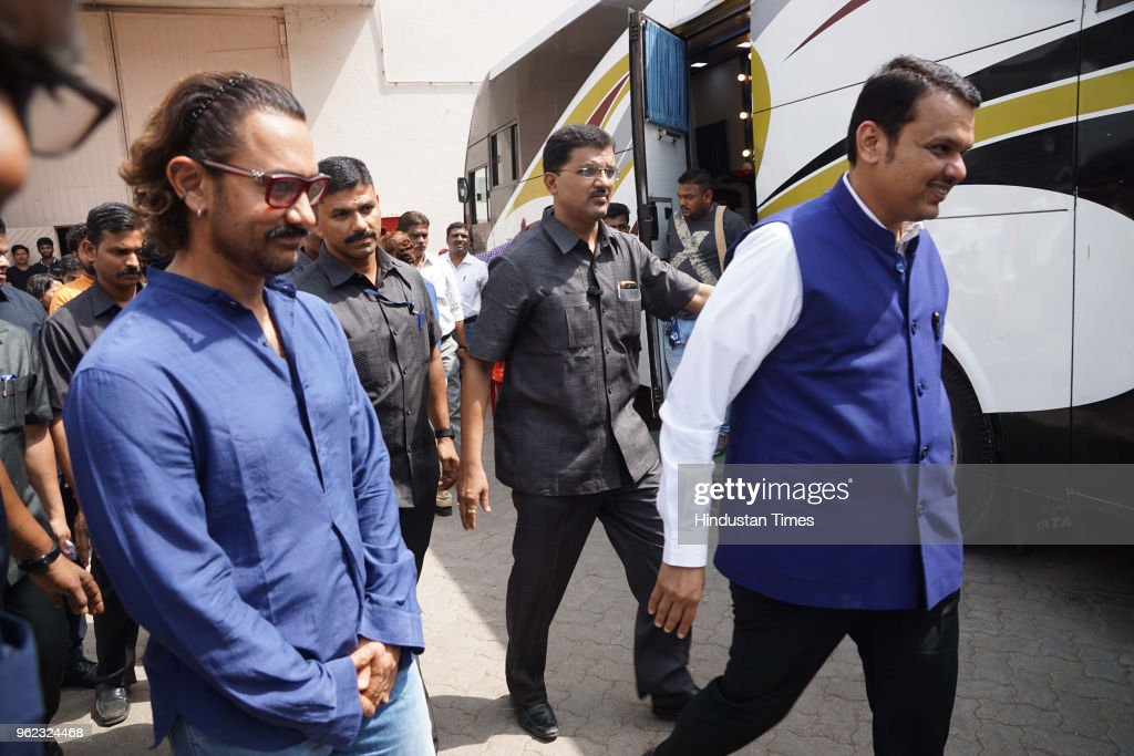 Maharashtra CM Devendra Fadnavis And Actor Aamir Khan Attend Paani Foundation Event At Mehboob Studio