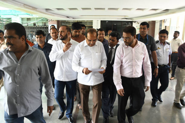 IND: BJP Minister Radhakrishna Vikhe Patil Visits Thane Municipal Corporation
