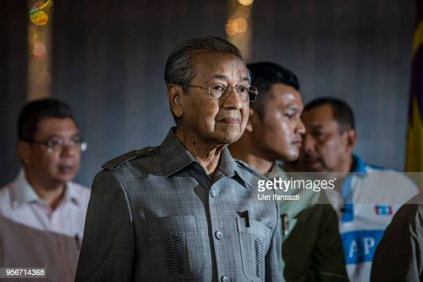 Mahathir Mohamad chairman of 'Pakatan Harapan' attends during press conference following the 14th general election on May 10 2018 in Kuala Lumpur...