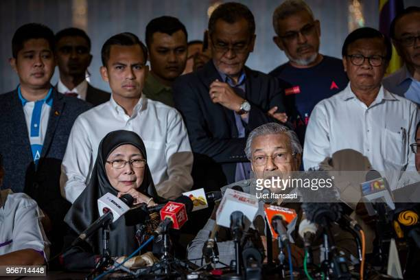Mahathir Mohamad chairman of 'Pakatan Harapan' speaks during press conference following the 14th general election on May 10 2018 in Kuala Lumpur...