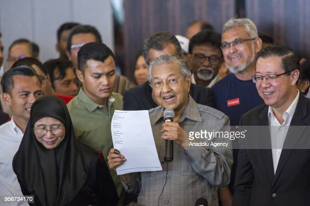 Mahathir Mohamad elected Prime Minister of Malaysia holds a press conference together with the leaders of Pakatan Harapan the former opposition...