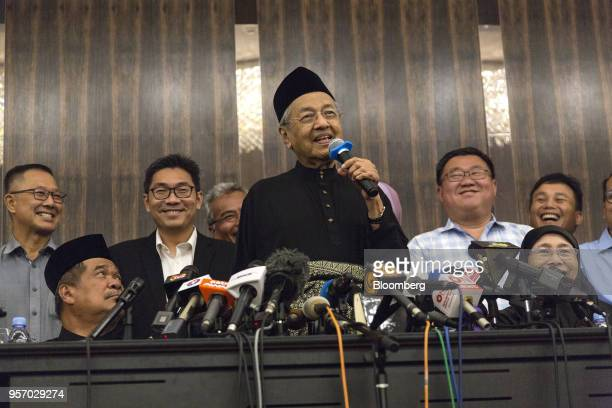 Mahathir Mohamad Malaysia's prime minister speaks during a news conference in Kuala Lumpur Malaysia on Thursday May 10 2018 Mohamadofficially became...