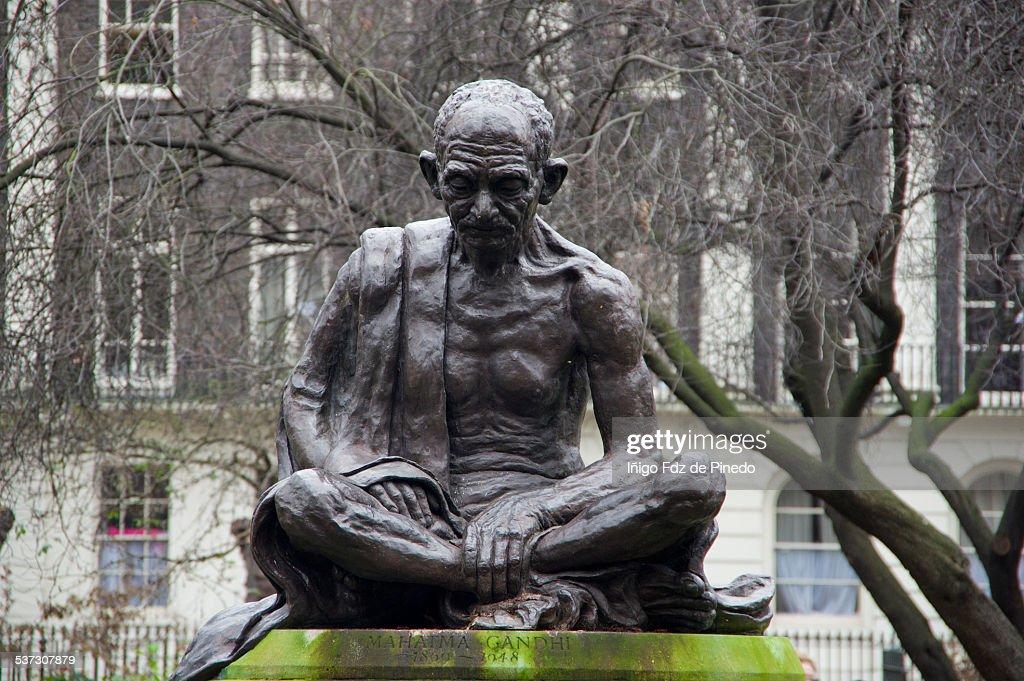 Mahatma Gandhi statue : Stock Photo